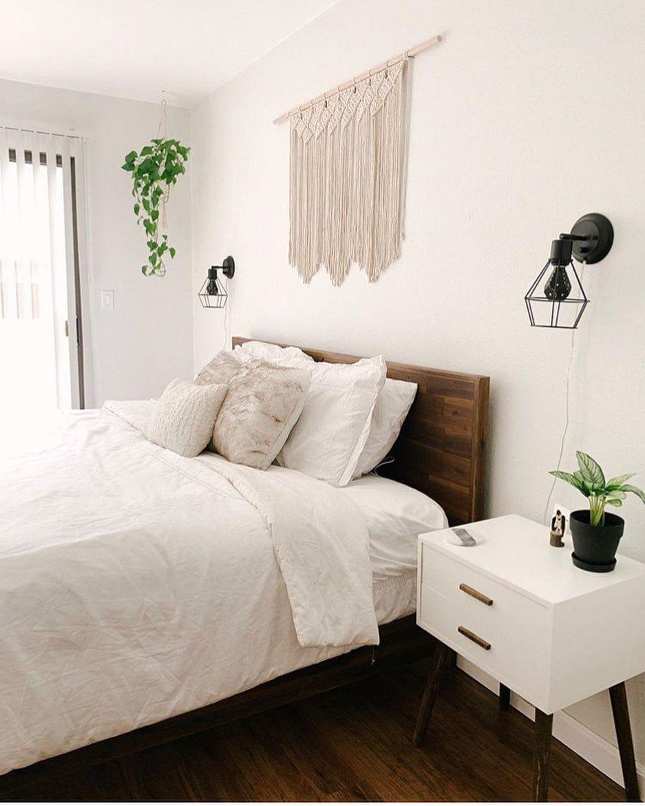 Simple, pretty and clean. What else do you need in a bedroom 👏🏼 #bedroomgoals #bedroomideas #bedroomdesign