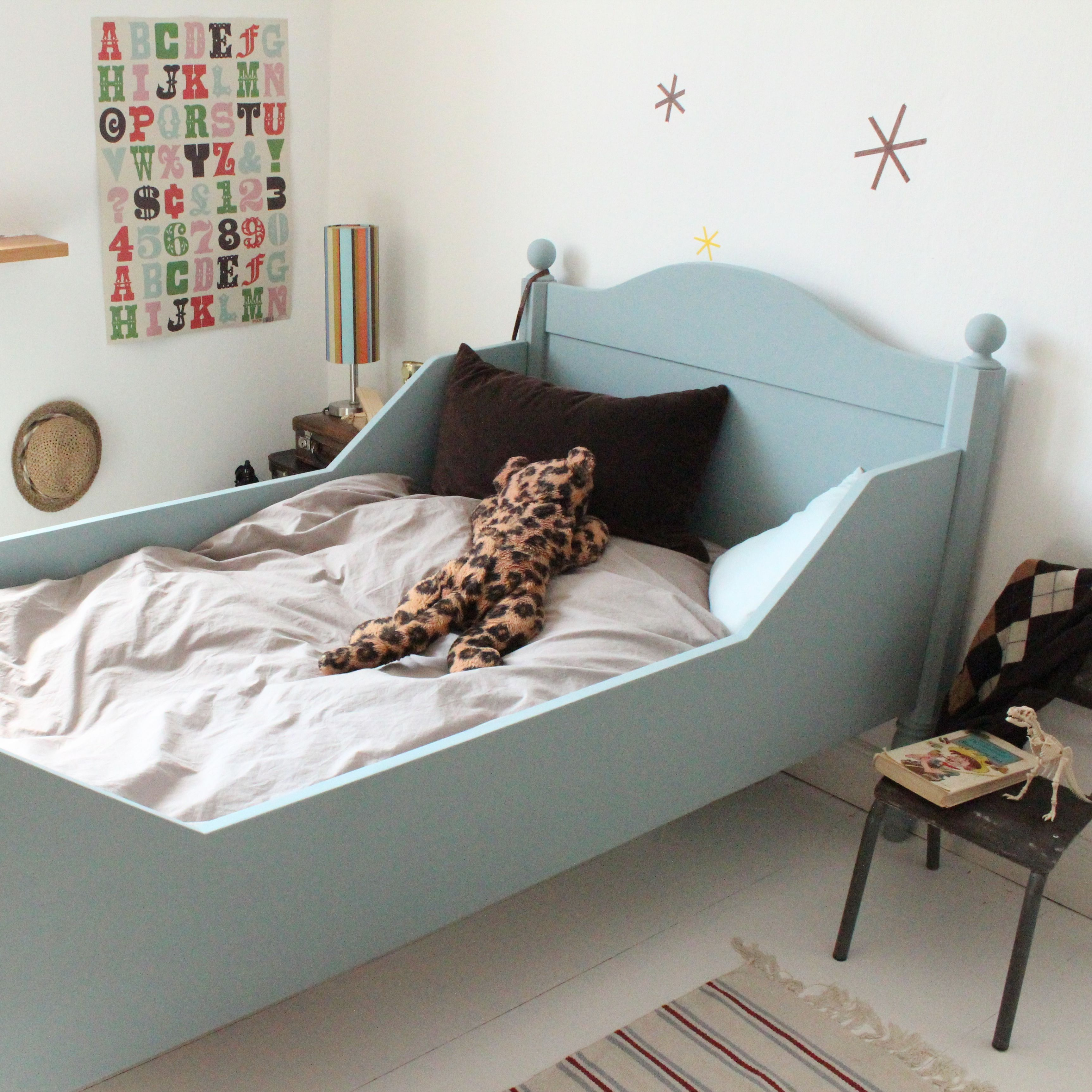 antike betten f r kinder auf antique bed for kids. Black Bedroom Furniture Sets. Home Design Ideas