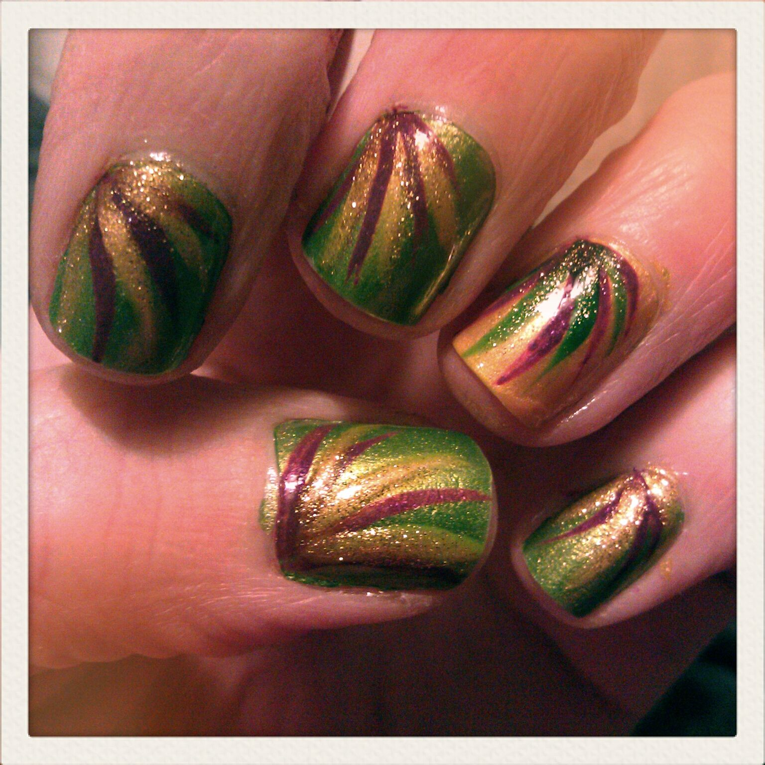 Mardi Gras nails :] Love nail art! check out www.MyNailPolishObsession.com - Mardi Gras Nails :] Love Nail Art! Check Out Www