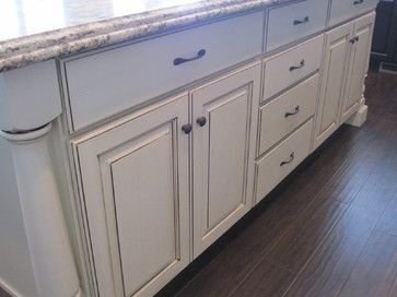 butter cream paint with brown glaze-Traditional Kitchen ...