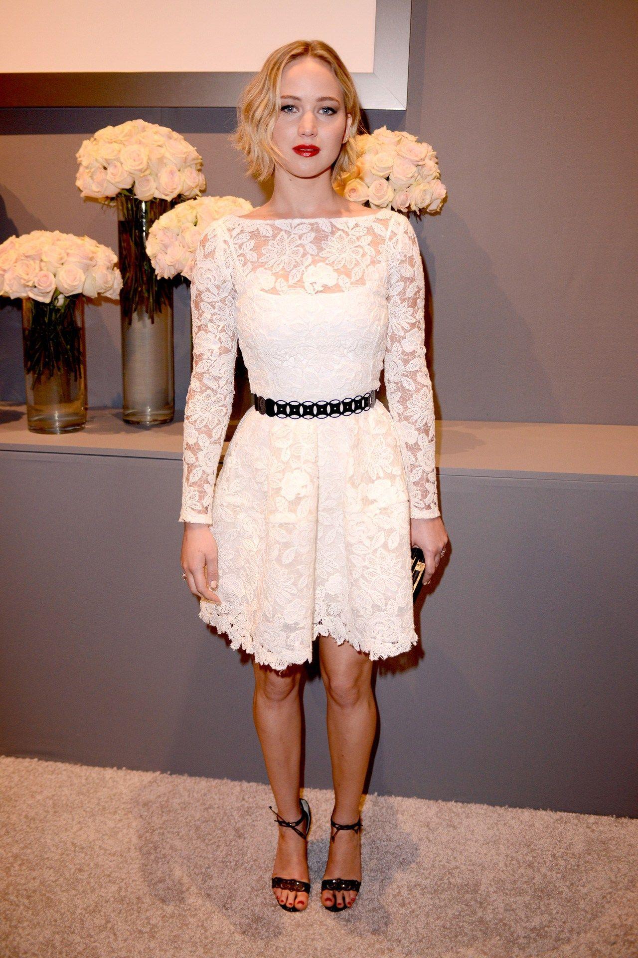 Jennifer Lawrence wore an Oscar de la Renta spring/summer 2015 dress.