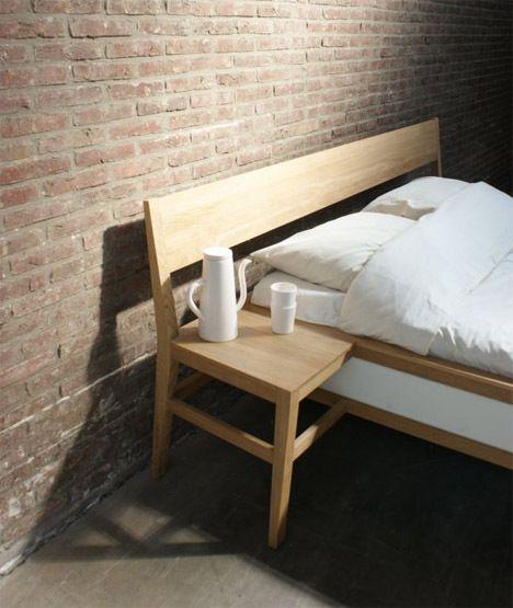 Annorlunda sänggavel till ett av sovrummen.