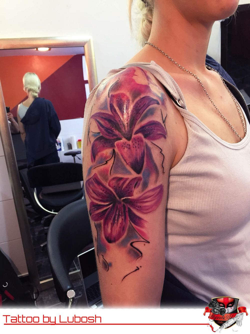 Hawaiian flower tattoo tattoos pinterest hawaiian flower hawaiian flower tattoo izmirmasajfo