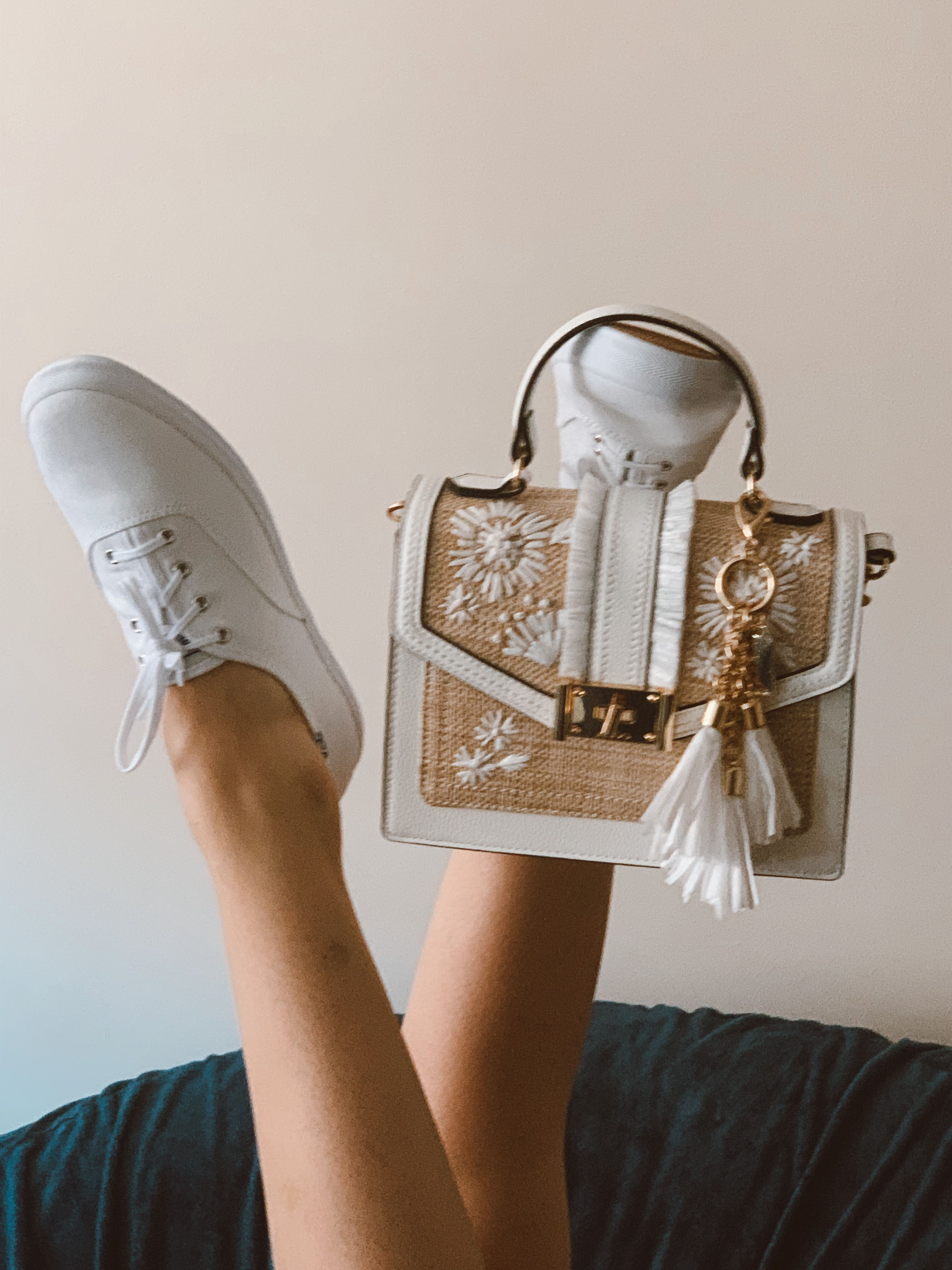 White purses, White shoes women