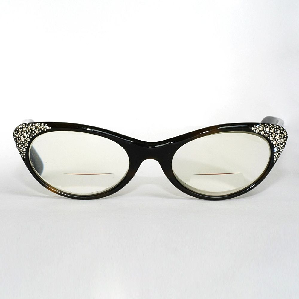 bb170c086f0 cat eye glasses image