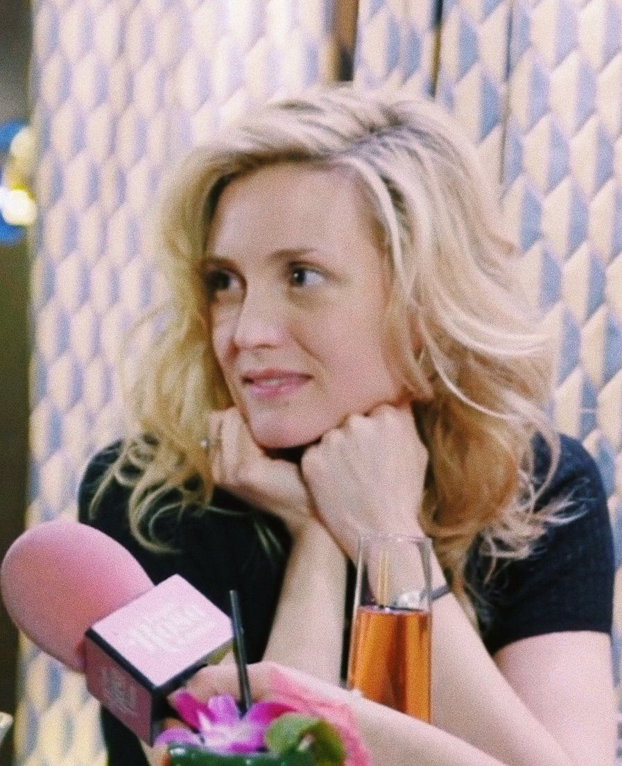 2019 Evelyne Brochu nude photos 2019