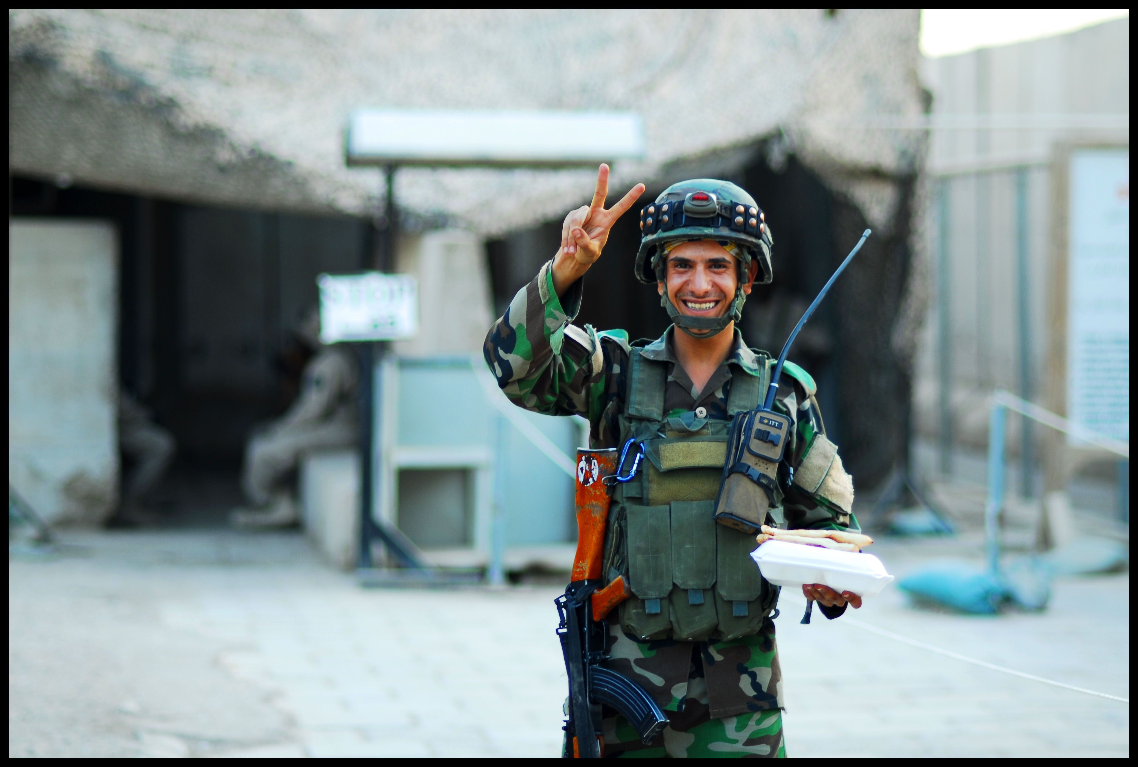 Happy Iraqi soldier 2009.