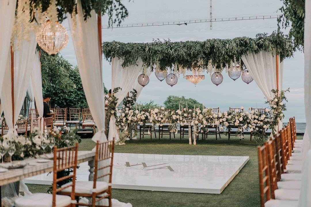 Inspirasi Dekorasi Outdoor Di Bali Di 2020 Pernikahan Inspirasi Dekorasi Pernikahan