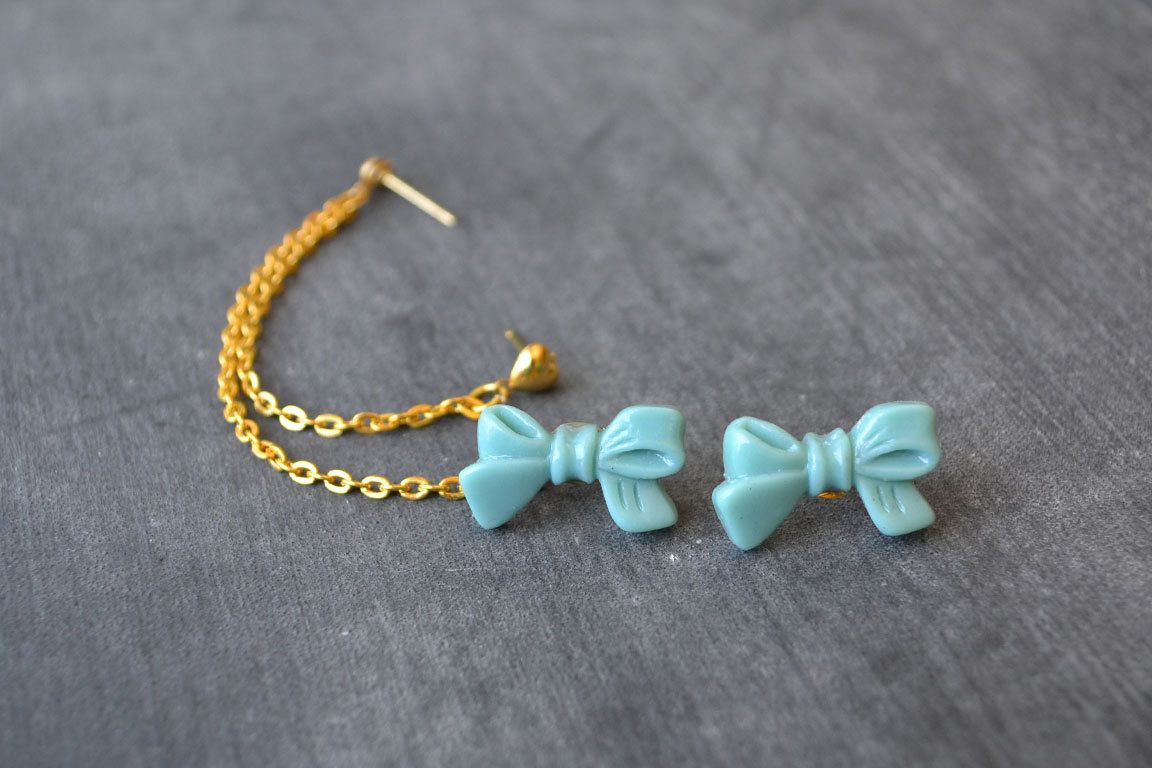 Sea Foam Bow Multi Pierce Cartilage Earrings by oflovelythings, $11.50 ......WANT THIS!!