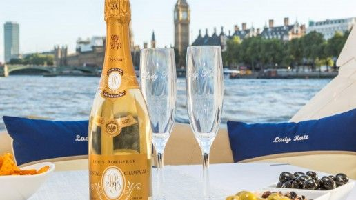 With London Yacht Hire, you can organize an amazing wedding celebration by hiring the best #wedding #Yacht in #London.