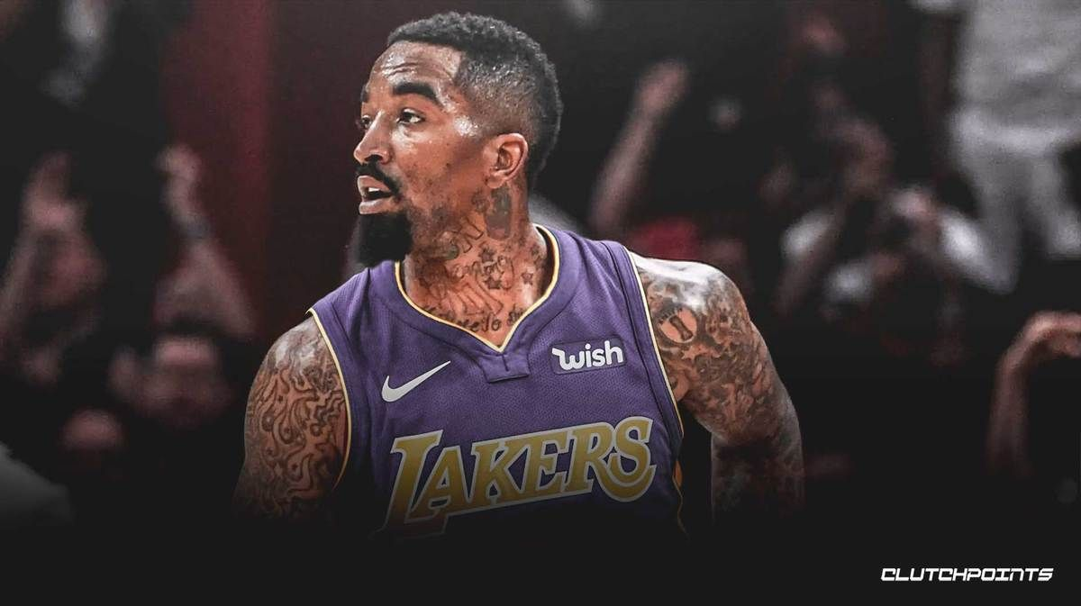 Jr Smith In The Lakers Practice Facility With Lebron James And Anthony Davis Nba News In 2020 Nba News Lebron James Lakers Team