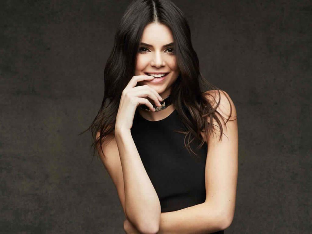 Iphone X Screensaver 4k Kendall Jenner Celebrity Wallpaper