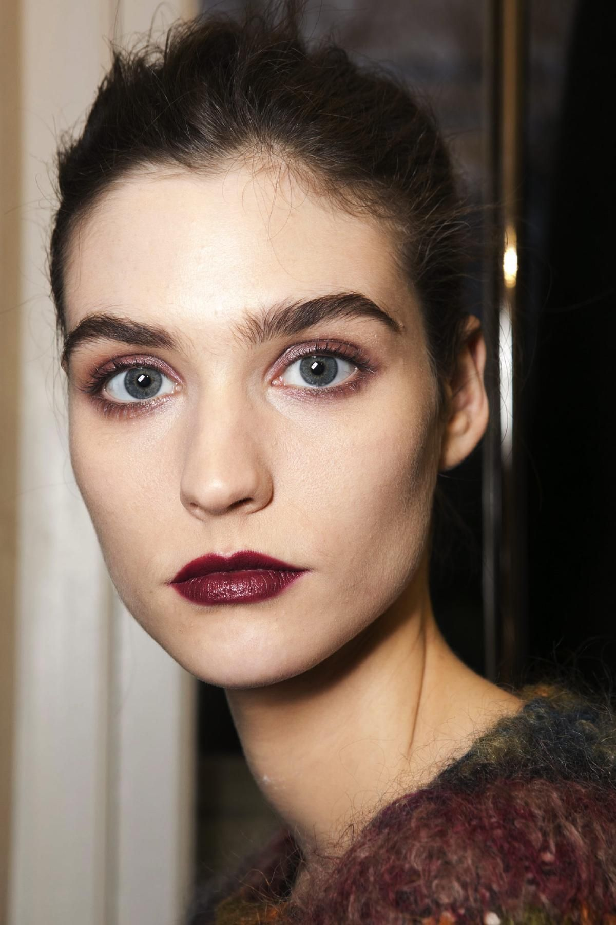 anthony vaccarello fall 2013 rtw fashion show en 2019 faces maquillage rouge l vres et beaut. Black Bedroom Furniture Sets. Home Design Ideas