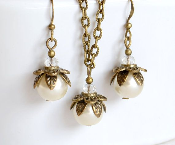 Ivory Bridesmaid necklace and earrings set by LaurinWedding, $14.00