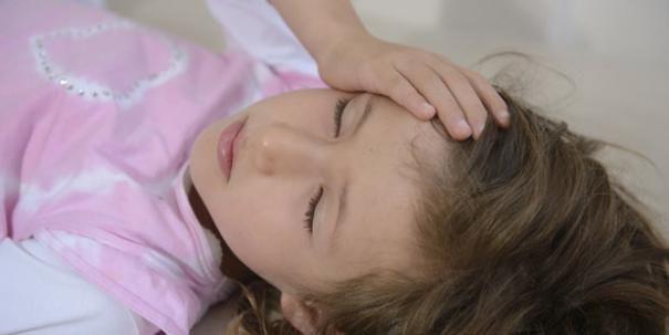 So erkennen Sie Migräne bei Kindern