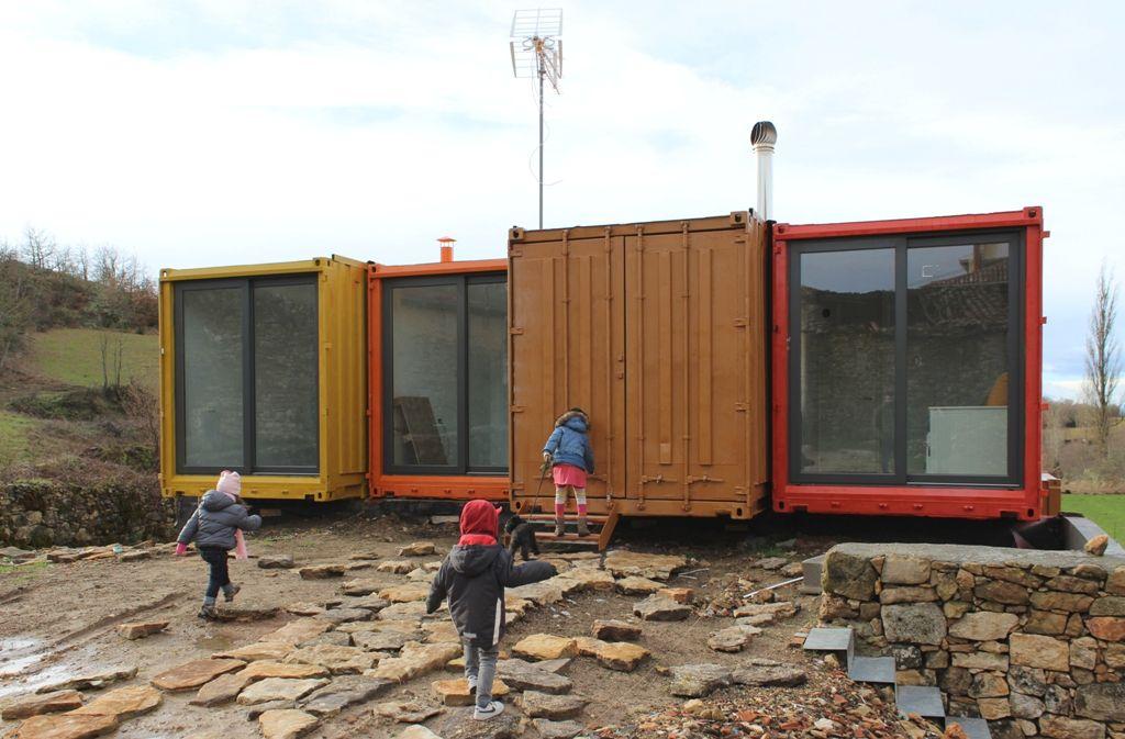 Vivendas modulares el ejemplo de una vivienda en - Casa con contenedores maritimos ...