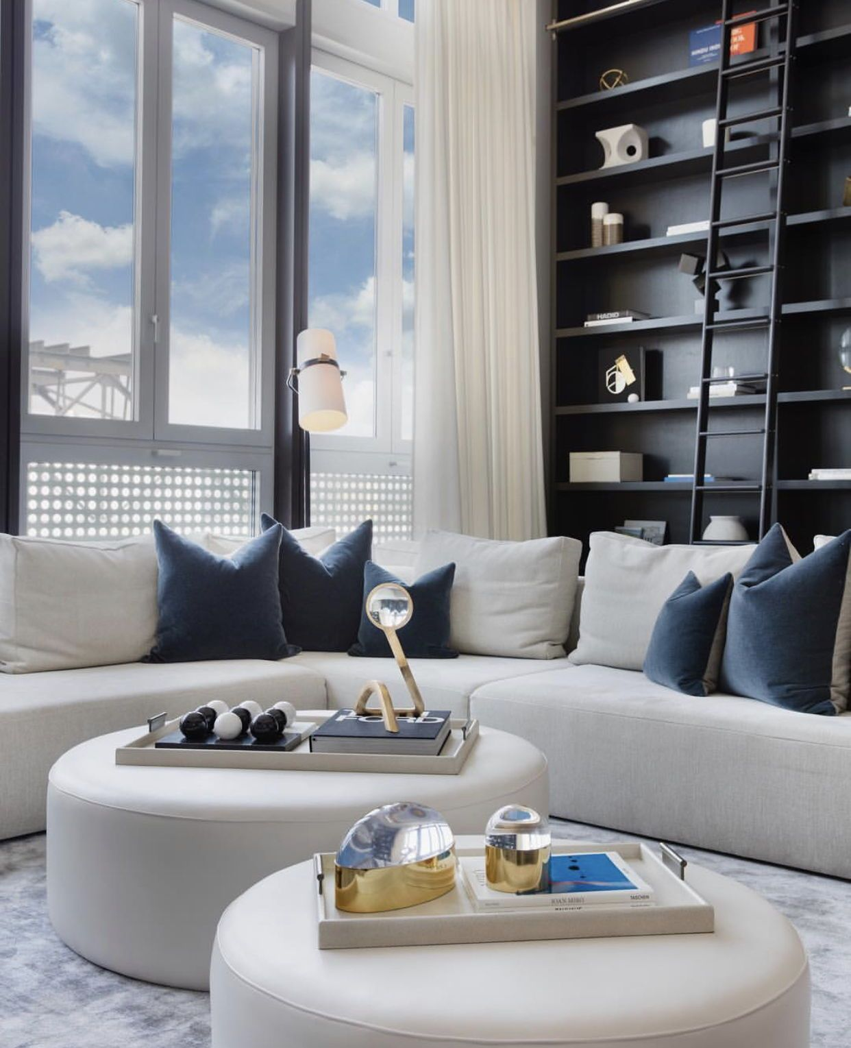 Sharing Our Bright Contrast Interior Interior Design New York Interior Design Usa Best Interior Design