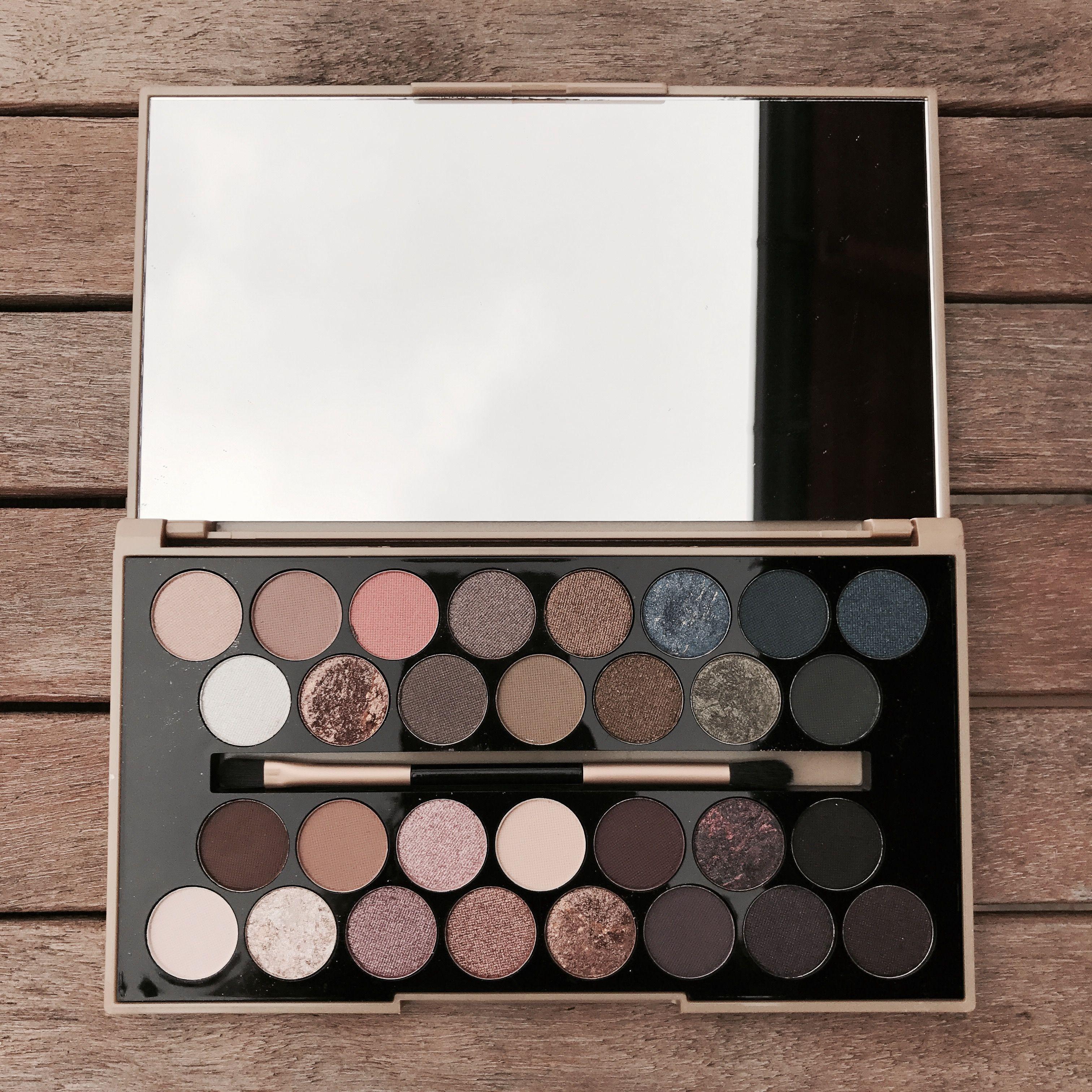 MakeUp Revolution Palette 🖤 Makijaż