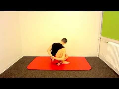 Dehnung Schulter und Mobilisation Brustwirbelsäule - YouTube