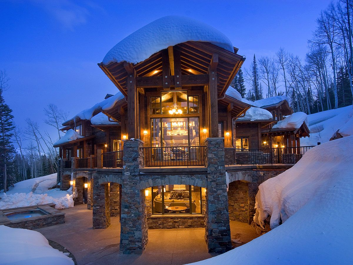 Offering More Than 9 600 Square Feet Of Living Space This Ski In Ski Out Residence Features A Home Theater Mountain Dream Homes Winter House Park City Skiing