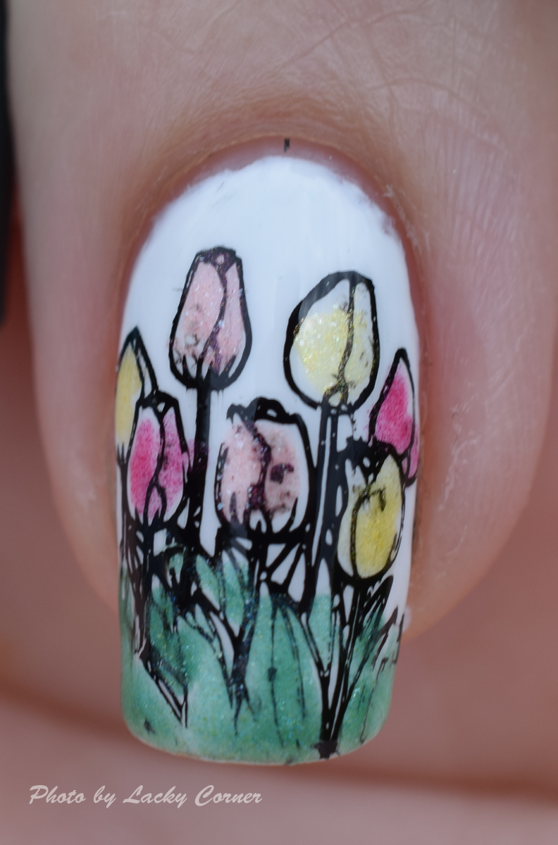 Lacky Corner: Nailart Sunday - Tulips for a Lucky Lady! Lead Light Stamping, MoYou London Pro 08, HM Lady Luck and Mentality Glazing Kit.