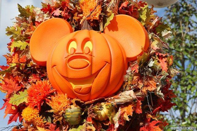 Dana Mickey\u0027s Not-So-Scary Halloween Party in Disneyland $67 for - not so scary halloween decorations