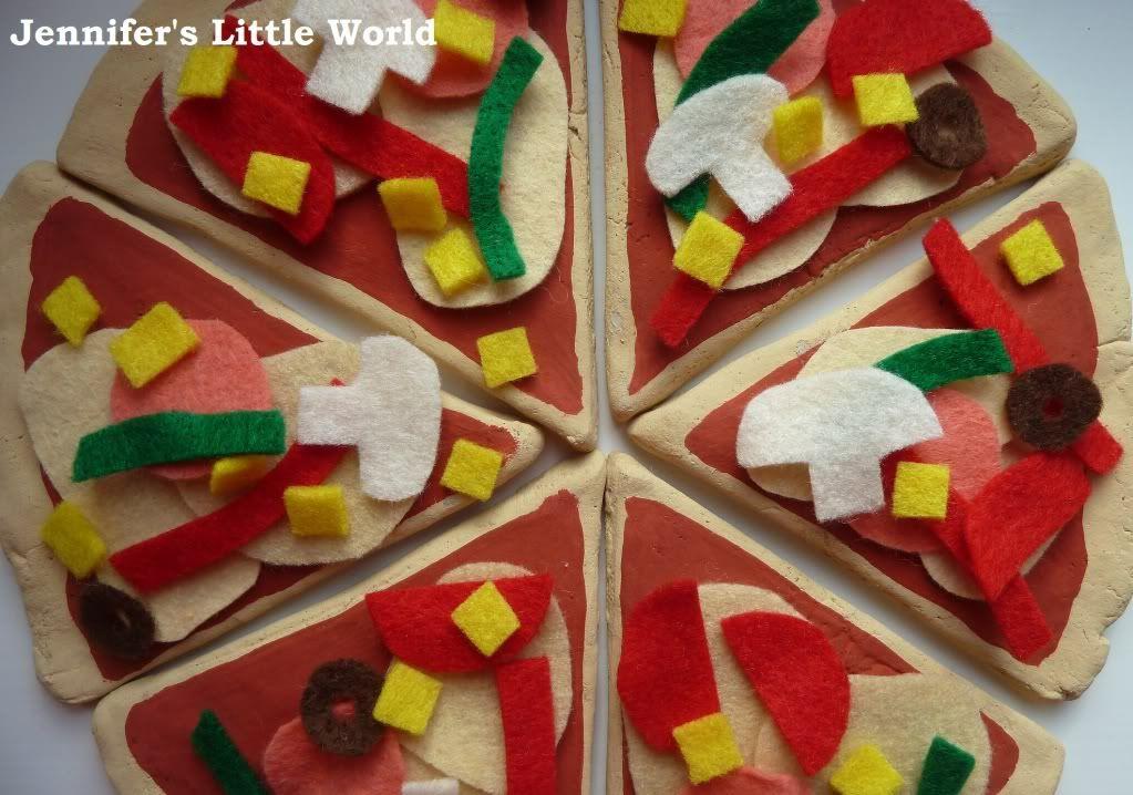 Homemade play food salt dough and felt pizza felt for Salt dough crafts figures
