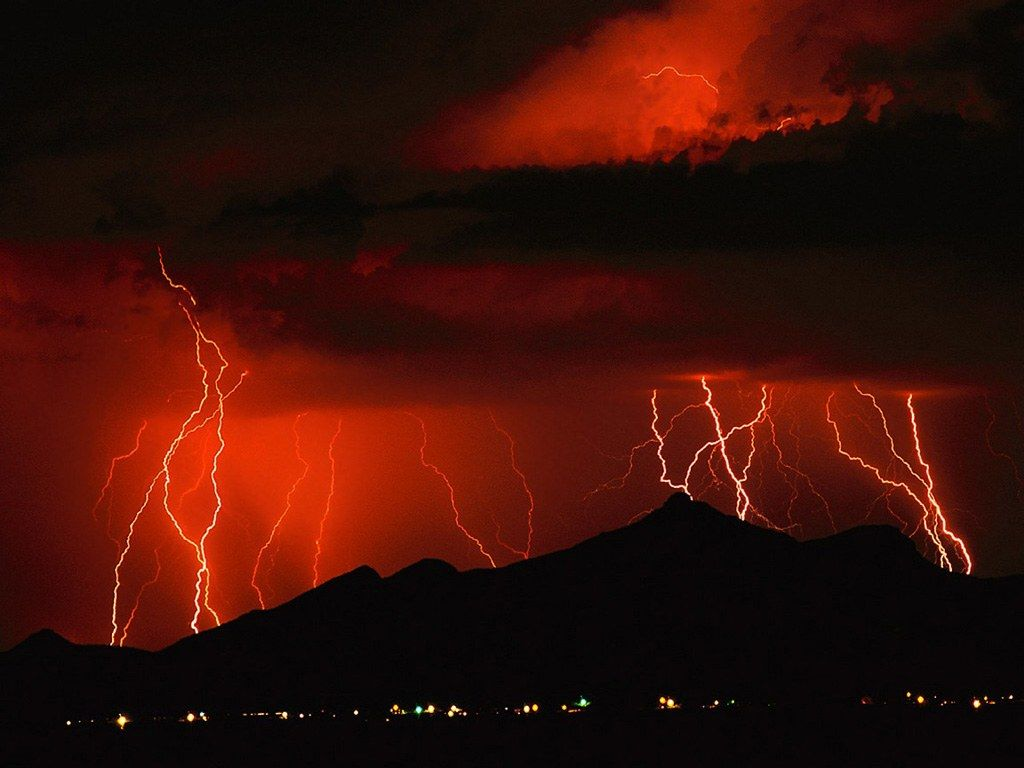 Pin By Vanessa Mazur On Nature Lightning Storm Storm Photography Lightning Images