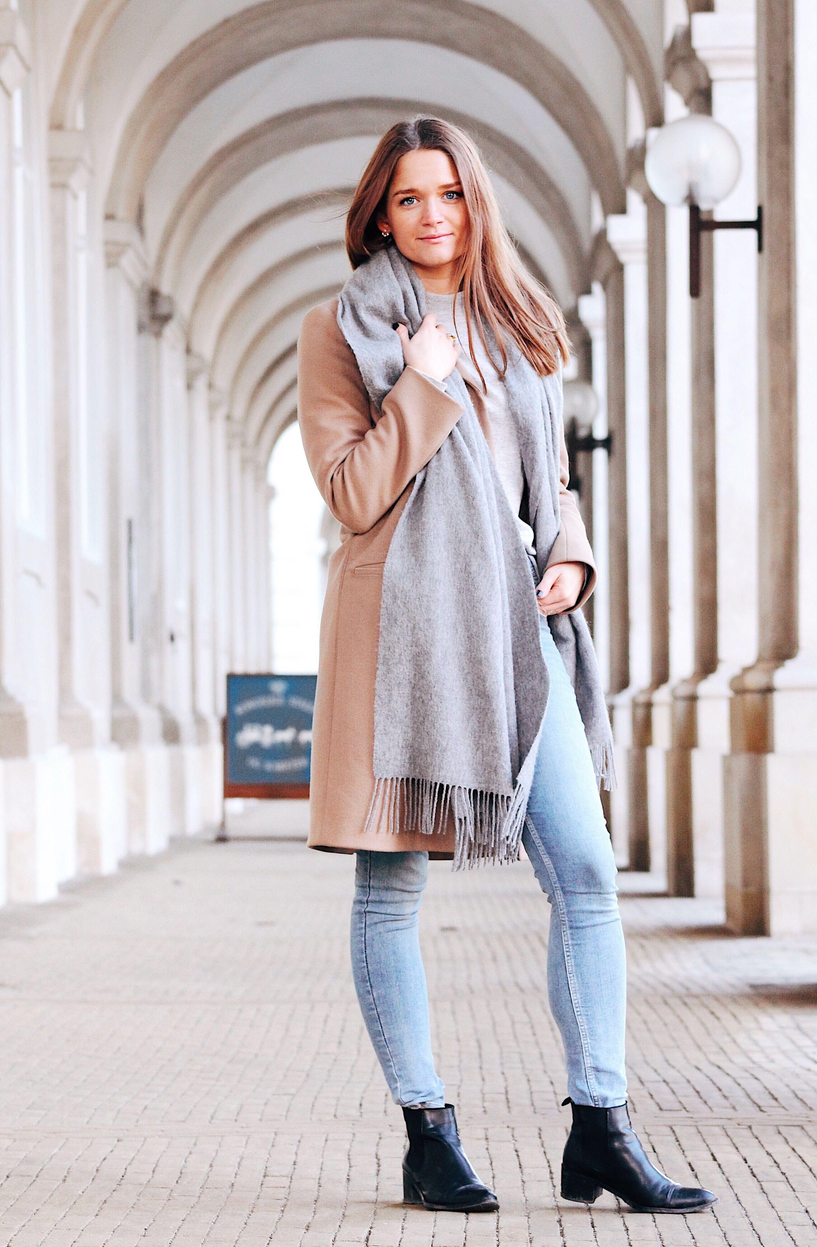 Den perfekte uldfrakke – Kaffe og kjoler