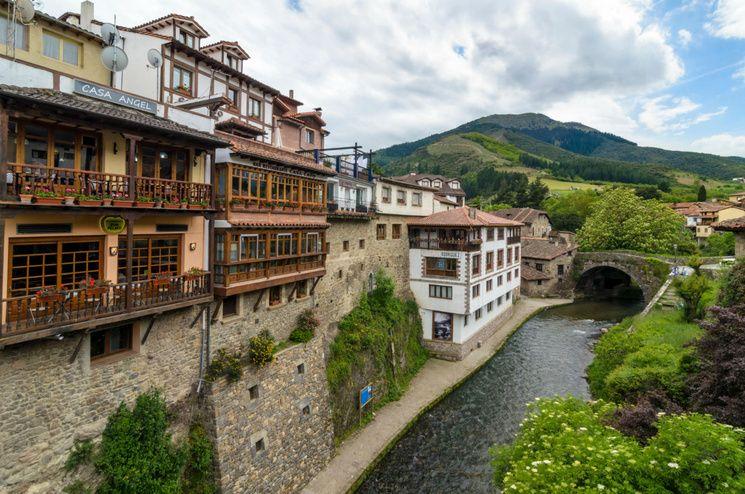 5 Pueblos Con Encanto Para Descubrir Cantabria Castell De Guadalest Viajes Pintoresco