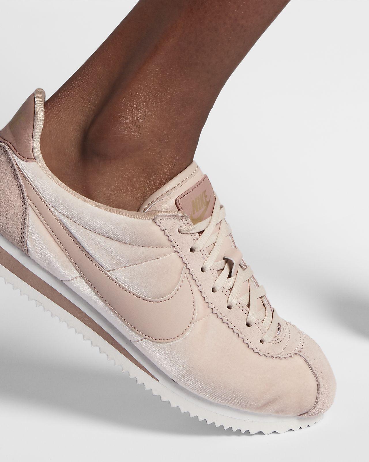official photos 3555e 2f0c1 Nike Cortez SE Women s Shoe