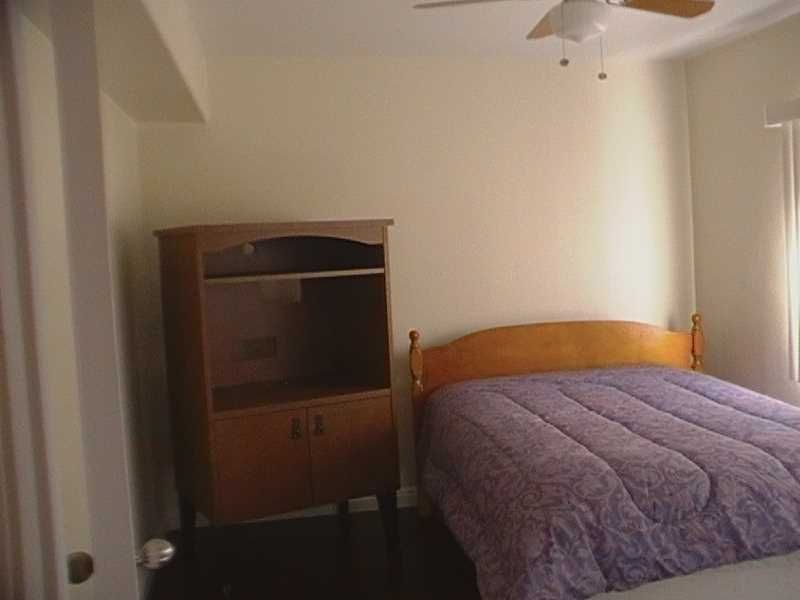 Room Available | $750 | Rent a room in Los Angeles, CA