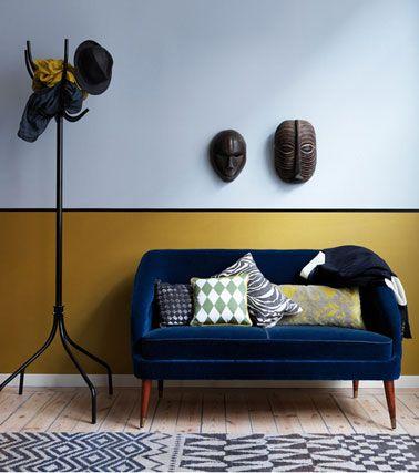 salon-murs-2-couleurs-ocre-jaune-bleu Salons, Interiors and Decoration