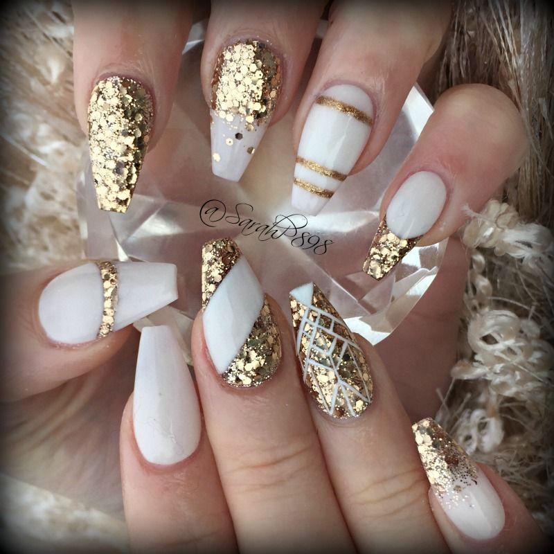 gold and white coffin nails #coffinnails #handpaintednails ...