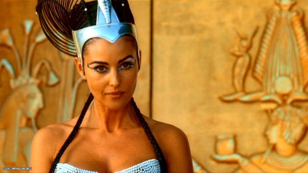 Monica Bellucci Mission Cleopatra Monica Bellucci Egyptian Beauty Italian Actress