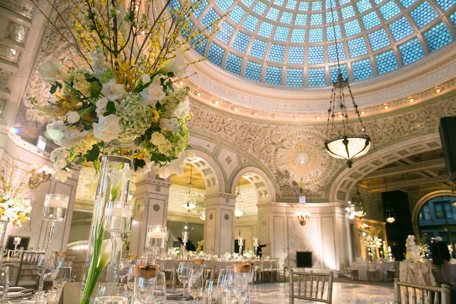 Classic City Wedding At Chicago Cultural Center Strictly Weddings Chicago Wedding Venues Chicago Cultural Center Wedding Chicago Cultural Center