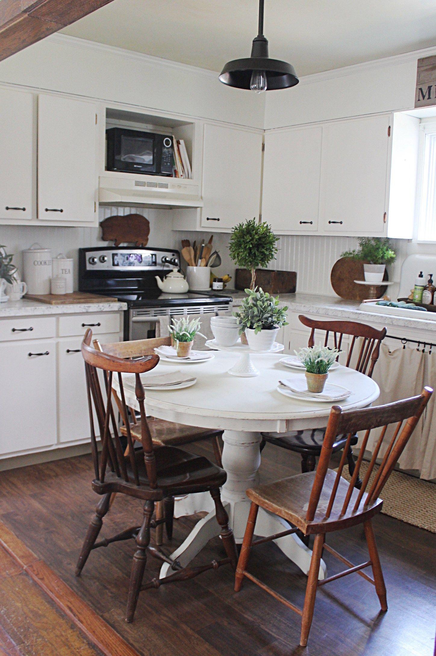 Cool 24 Comfy Farmhouse Living Room Designs https ...