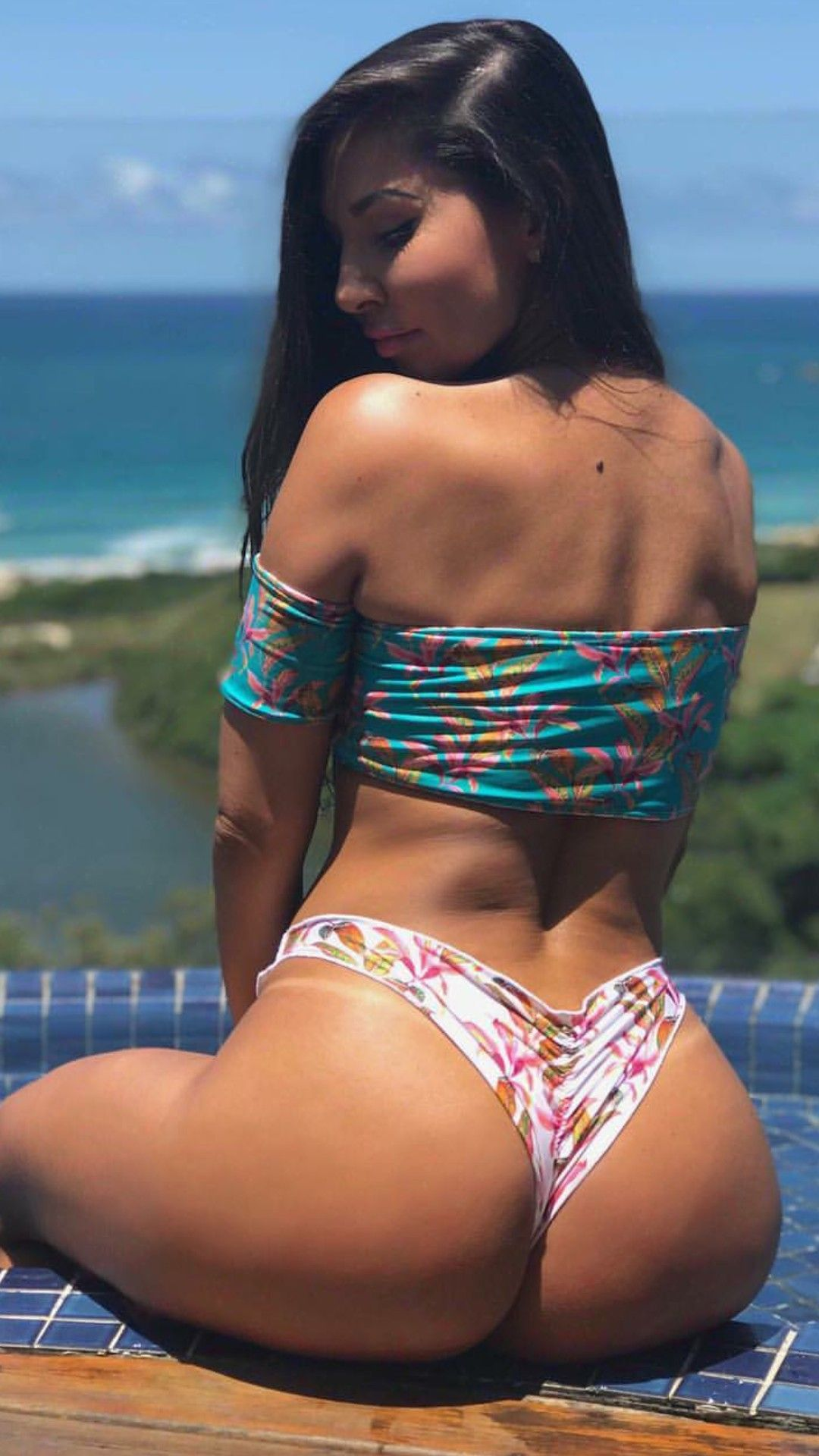 Sexy Latina Big Ass Pov