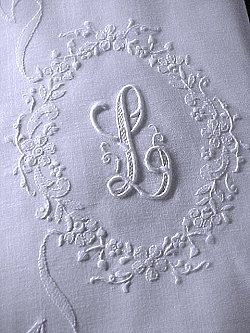 pair monogrammed L pillowcases