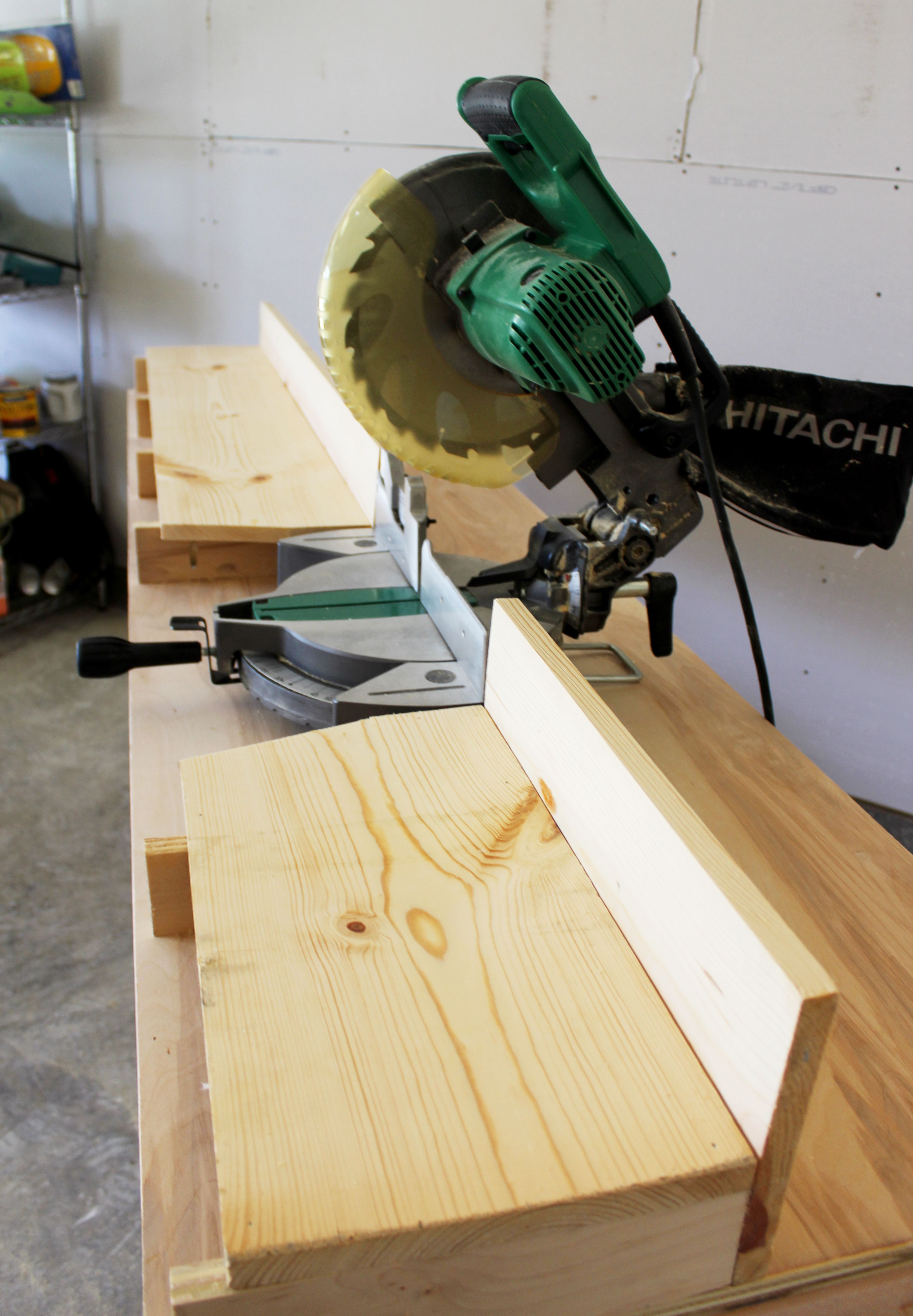Table Saws Miter Saws And Woodworking Jigs Woodworking Tips Diy Woodworking Miter Saw Bench