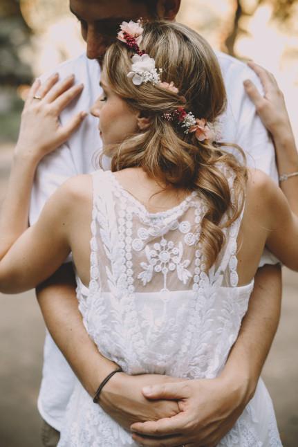 novia informal con corona de flores y ramo preservado - flores | 15
