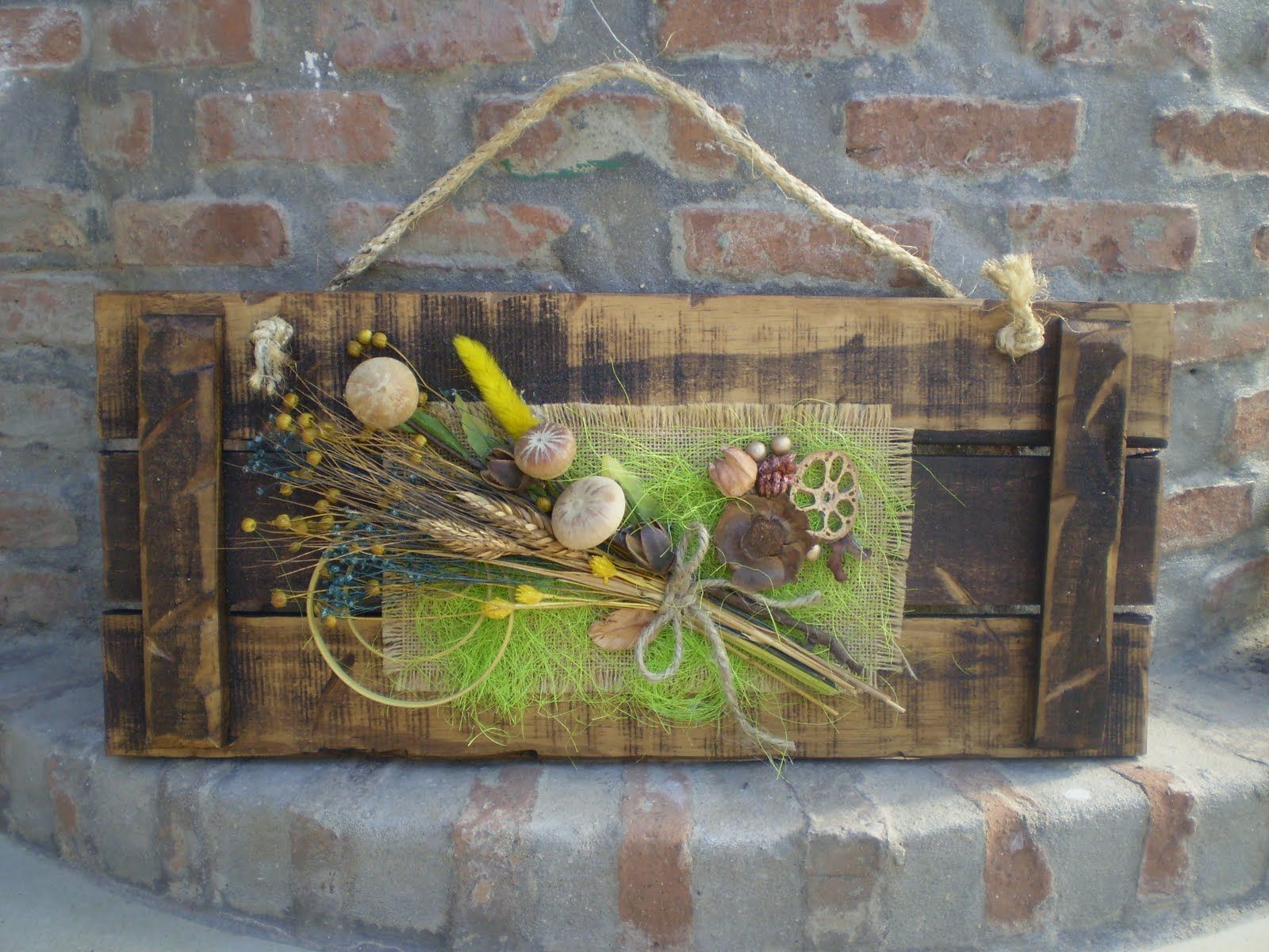 Cuadros rusticos con tela de saco y madera buscar con - Cuadros con tela de saco ...
