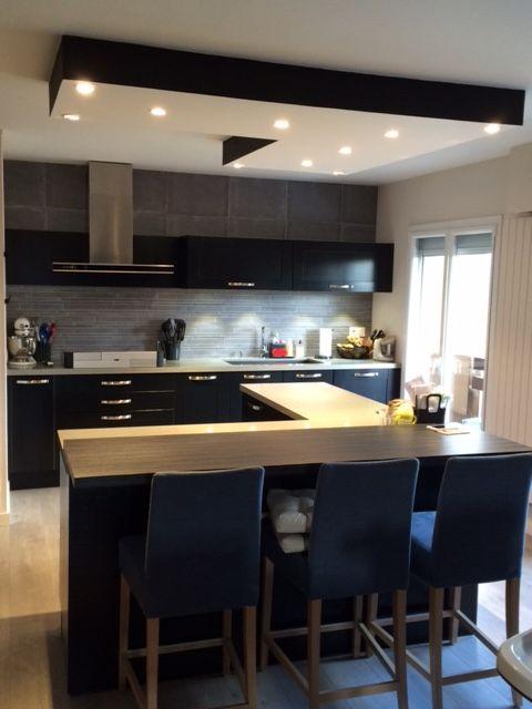 perfect cuisine en laque noire avec gorges en aluminium ralise par le cuisiniste arthur bonnet. Black Bedroom Furniture Sets. Home Design Ideas