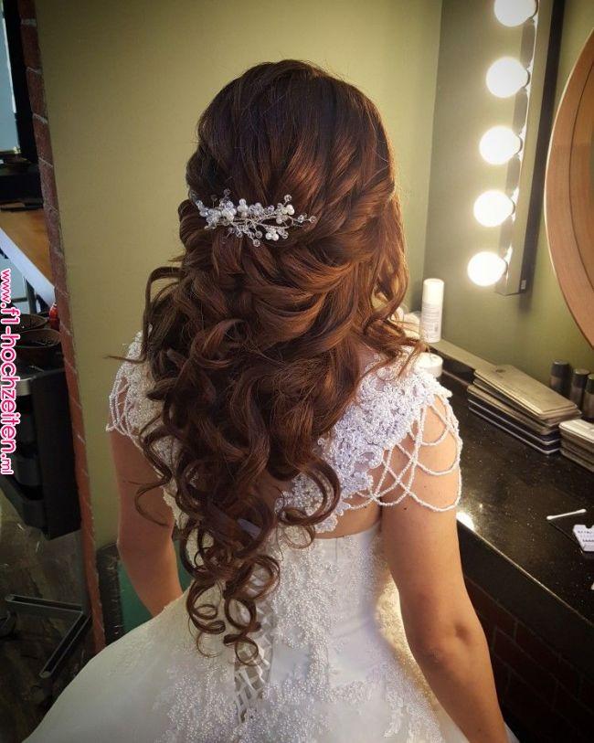 Pin By Basak Kuafor Makyaj On Acik Gelin Sac Modelleri In 2019 Pinterest Wedding Quince Hairstyles Wedding Hairstyles For Long Hair Wedding Hair And Makeup