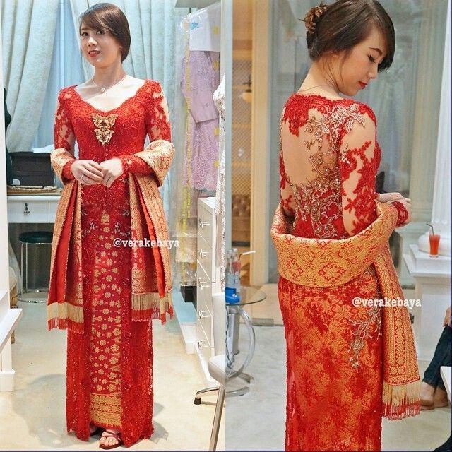 Dazzle Red Kebaya A Modern Kebaya Combined With Palembang Songket