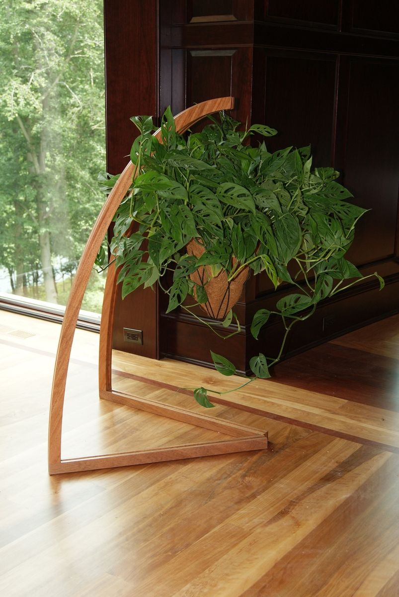 12 Elegant DIY Plant Stand Ideas and Inspirations - EnthusiastHome #diyplantstand