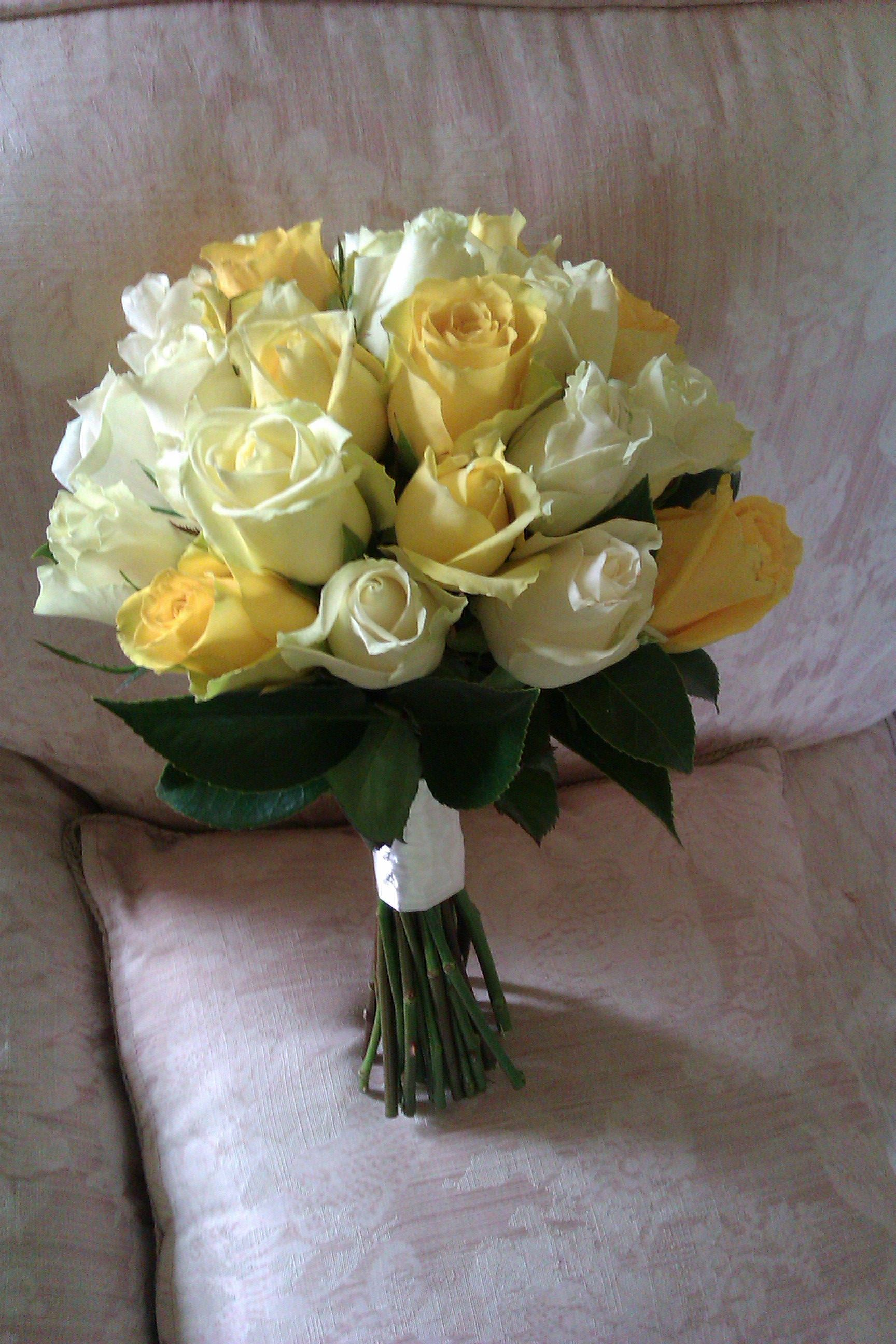 White Yellow Rose Bouquet Maybe Add Some Small White Flowers