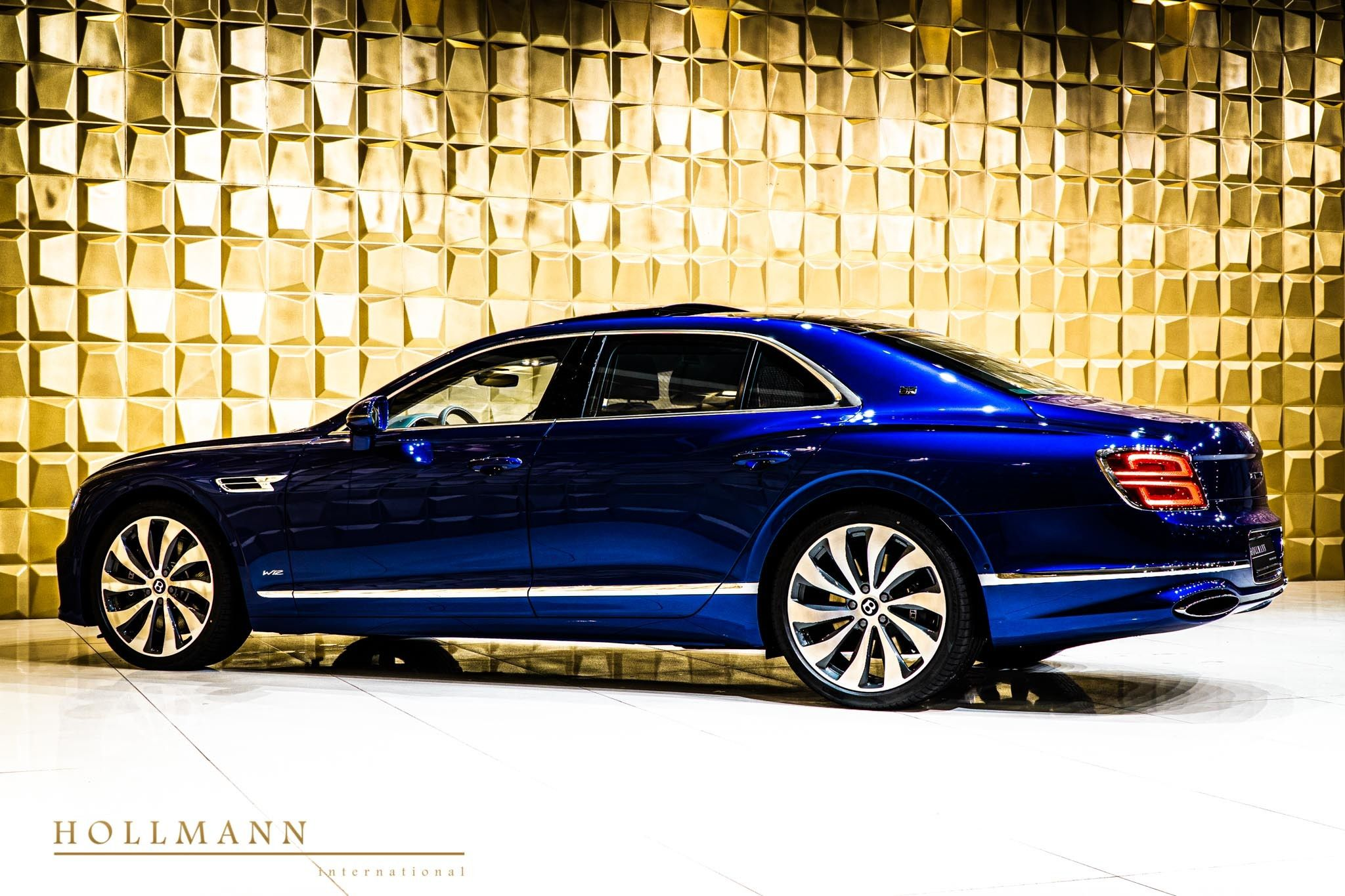 Bentley Flying Spur First Edition Hollmann International Germany For Sale On Luxurypulse In 2020 Flying Spur Bentley Flying Spur Bentley