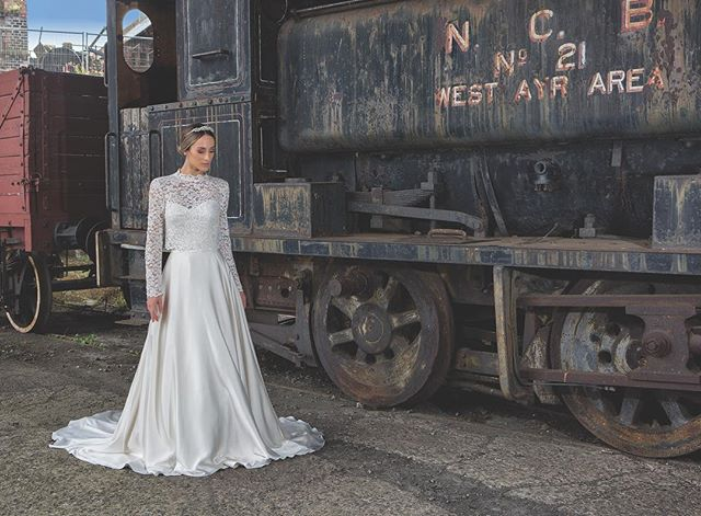 La Novia Edinburgh Leading Bridal Designer Boutique In Scotland In 2020 Bridal Designs Wedding Dresses Lace Bridal
