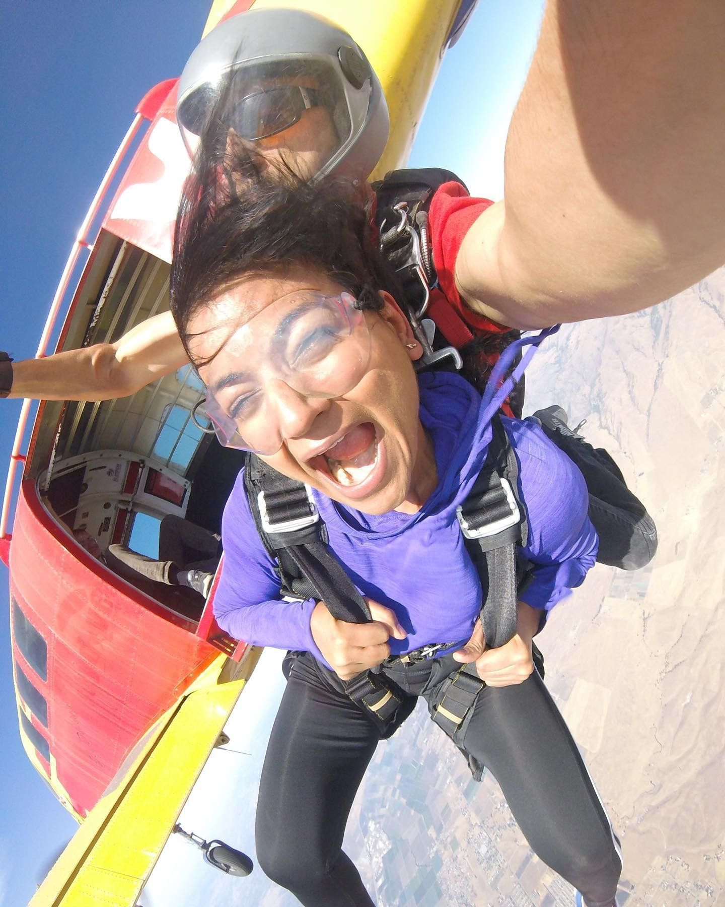 First Tandem Jump This Skydiver Looks Pretty Scared Huh Basejumping First Hanggliding Iceclimbing Jump Mounta In 2020 Tandem Jump Tandem How To Look Pretty